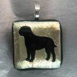Bullmastiff Pendant (Black On Gold)