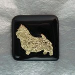 Norwich Terrier Pendant/Pin (Gold/Black)